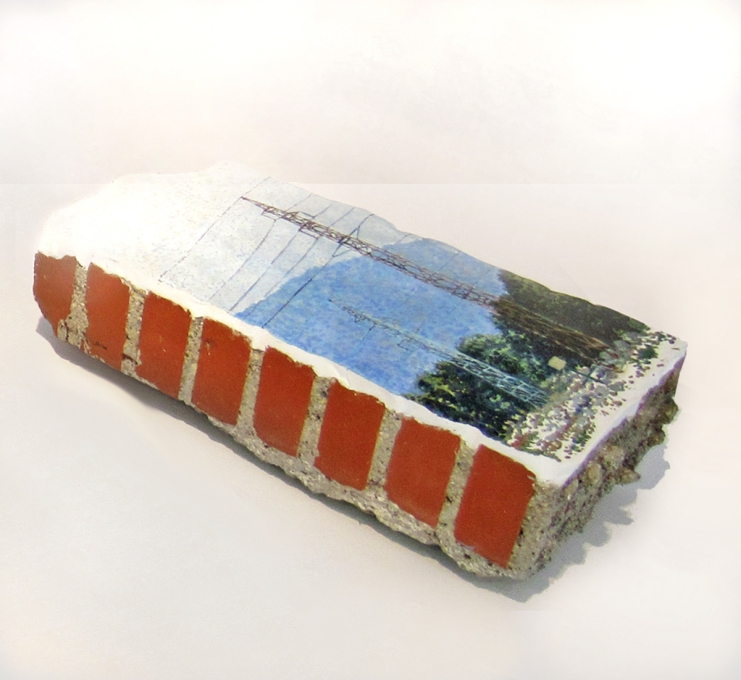 Panorama concreto n. 3ladrillo, piedra, cemento, escayola, yeso, pintura a oleo. 2019Dimensiones aprox. 48x23x15 cm